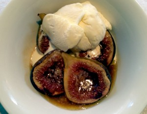 Spiced bake Figs with Vino Cotto